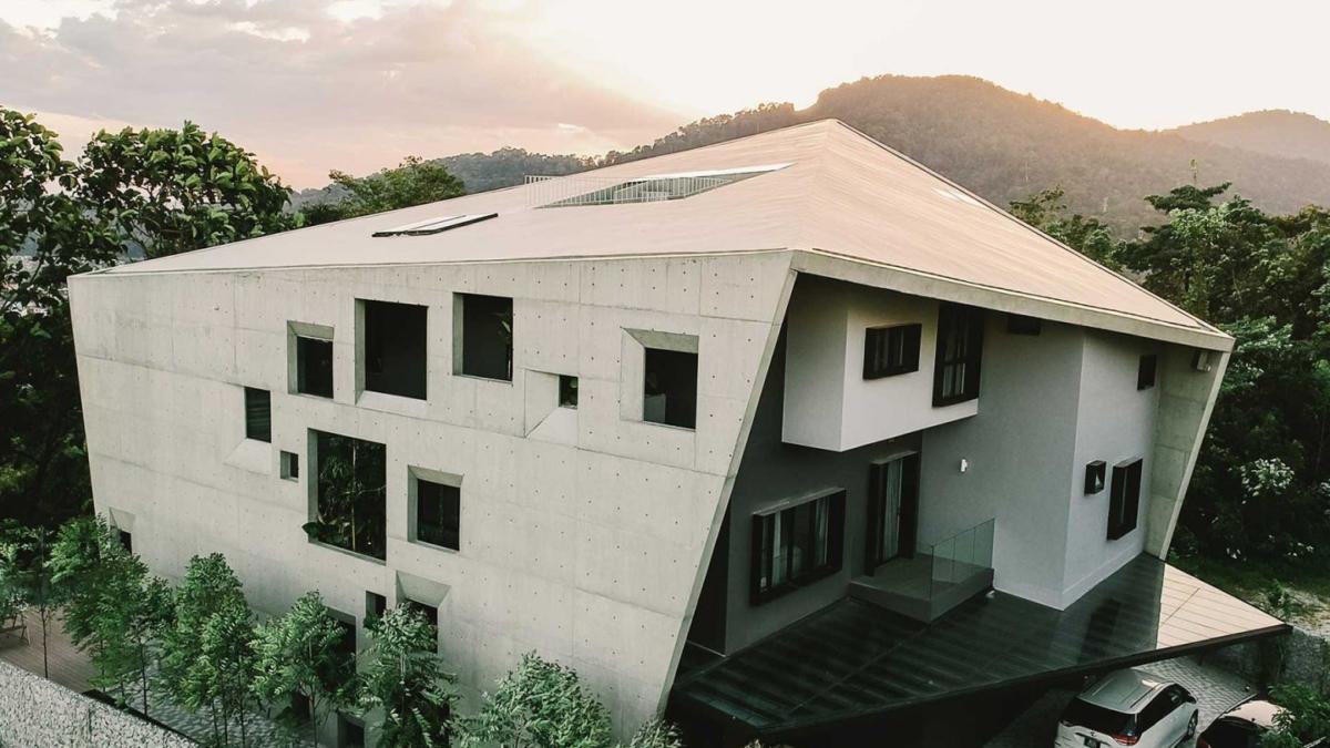 THE WINDOW HOUSE