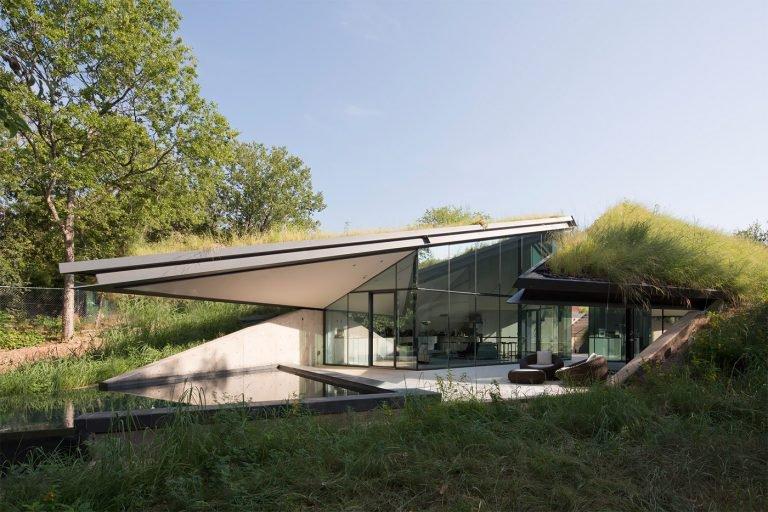 EDGELAND HOUSE